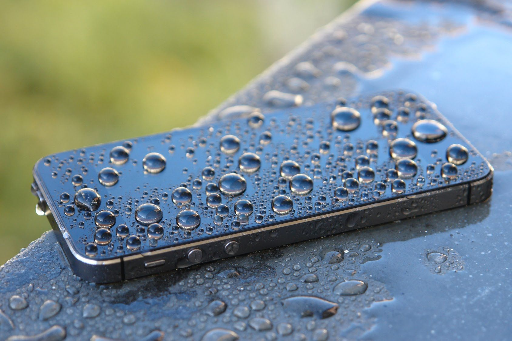 How To Express That Your iPhone Is Waterproof Or Water-Resistant Or Not, And In Which Level Or Extent?
