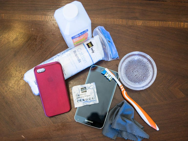Do You Know How To Clean Your iPhone Case?
